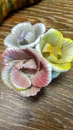 Продам фарфоровые цветы бутон в количестве 4 шт - все за 300 гривень, производст. Одесса, Одесская область. фото 5