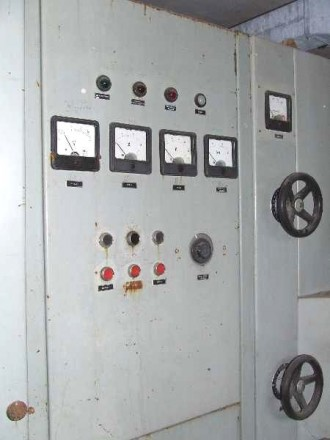 конденсаторные установки, конденсаторы, генераторные лампы и др.. Одесса. фото 1