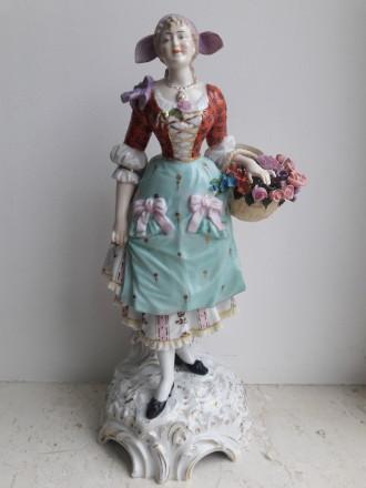 Фарфоровая статуэтка Девушка E. & A. MULLER (Germany) - ca 1890s - 1940s. Львов. фото 1