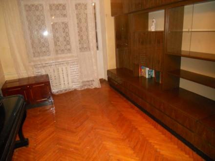 Сдам двухкомнатную квартиру в районе КРУГА. кирпич 2 этаж.. Чернигов. фото 1