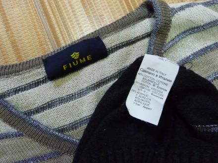 Фирменный пуловер . V образная горловинка . Отлично смотрится с рубахой . В клас. Киев, Киевская область. фото 4