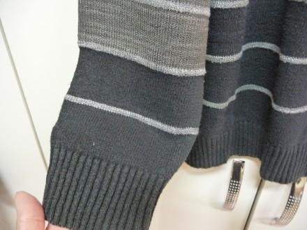 Фирменный пуловер . V образная горловинка . Отлично смотрится с рубахой . В клас. Киев, Киевская область. фото 3