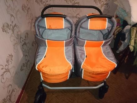Продам коляску для двойни. Новая,в использовании не была. Комплект полный ( сумк. Ахтырка, Сумская область. фото 4