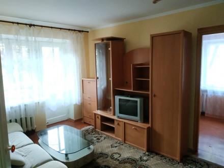 Продам 2-х комнатную квартиру в центре. Квартира на 2-м этаже 4-х этажного дома. Чернигов, Черниговская область. фото 2