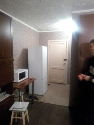 Сдам комнату в общежитии по ул. Домностроителей 2. 5/9 этаж. Ремонт косметически. Дзержинский, Кривой Рог, Днепропетровская область. фото 4