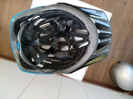 Шлем велосипедный  Состояние хорошее 5-/5  59 - 63 см  Пишите, договоримся. Киев, Киевская область. фото 4