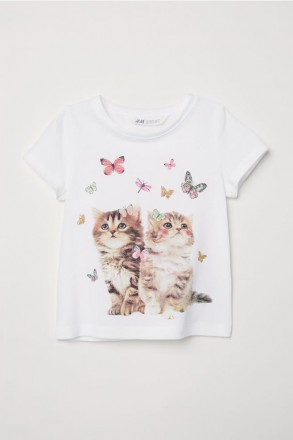 Білі футболки з принтом котики від H M Ріст  від 98 - 104 см (спина 1c354a9ccbe8a