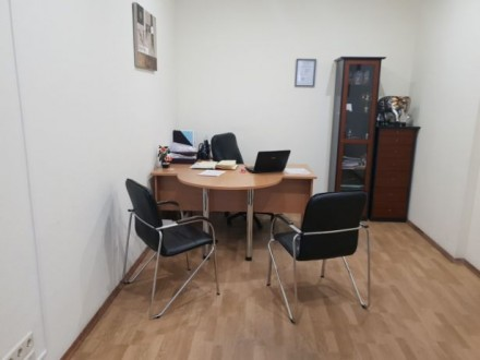 Столы б/у офис. Киев. фото 1