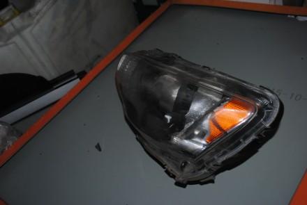 mitsubishi lancer x левая фара лансер  стелока и корпус целые розбит внутри от. Полтава, Полтавская область. фото 4