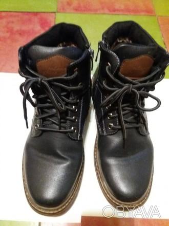 Продам ботинки зимние на меху. Темного синего цвета, на шнурке и молнии сбоку. З. Днепр, Днепропетровская область. фото 1