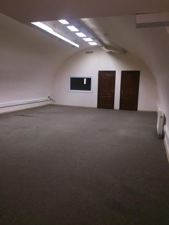 предлагаем в аренду офисное помещение 115 м2, 2й этаж, Печерск. Киев. фото 1