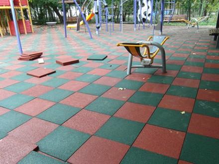Резиновая плитка для спортивных площадок. Бровары. фото 1