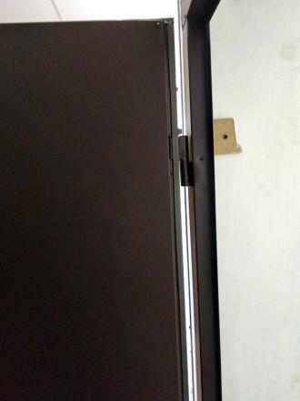 Звоните прямо сейчас!  +380 67 610 18 64   Двери металлические, два листа мет. Киев, Киевская область. фото 7
