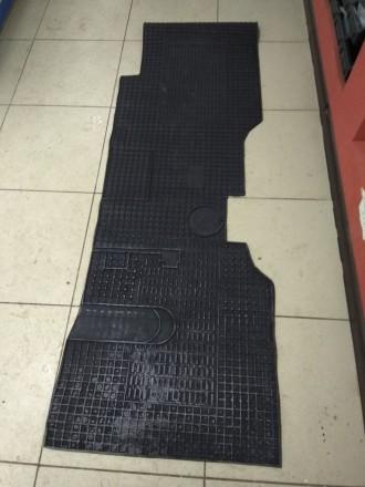 Коврик резиновый на грузовой автомобиль ISUZU NQR71. Черкассы. фото 1