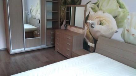 Продается спальный гарнитур вместе с матрасом.. Чернигов. фото 1