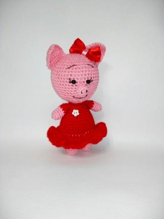 Вязаная игрушка ручной работы Свинка Даша. Славута. фото 1