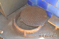 Люк канализационный с основанием. Сосница. фото 1