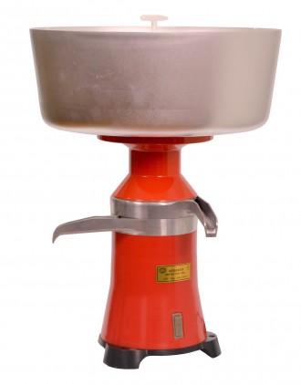 Сепаратор центробежный молочный «Мотор Сич-100-15». Киев. фото 1