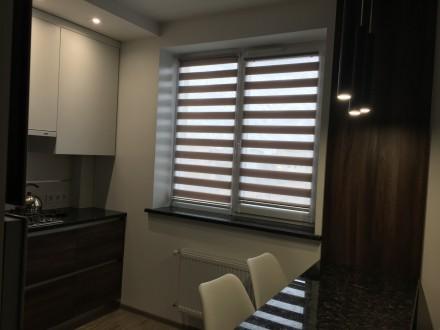 Укомплектована квартира з дизайнерським ремонтом, є усі необхідні меблі та побут. Автовокзал, Ровно, Ровненская область. фото 3