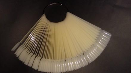 Типсы веер на кольце палитра для образцов лака. Харьков. фото 1