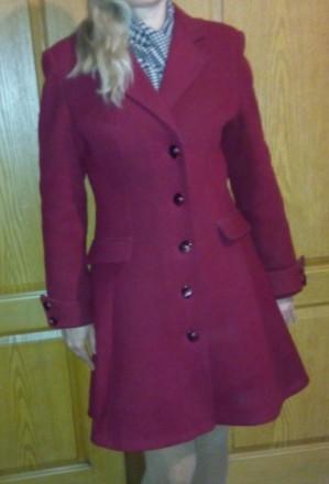 продам зимнее вишневое пальто. Кривой Рог. фото 1