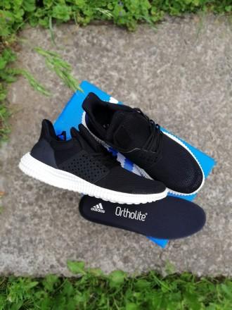 Білі кросівки - купити жіноче та чоловіче взуття на дошці оголошень ... d721f39afd1cb