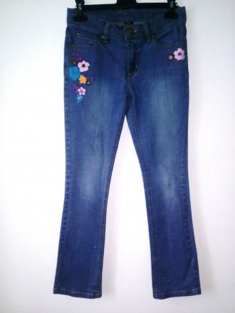 Стильные джинсы с принтом цветы (13 лет). Ивано-Франковск. фото 1