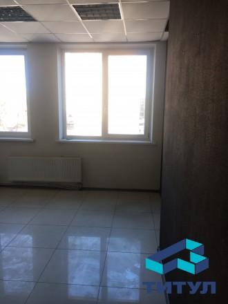 Сдам офисное помещение со своим санузлом на 1 этаже. Харьков. фото 1