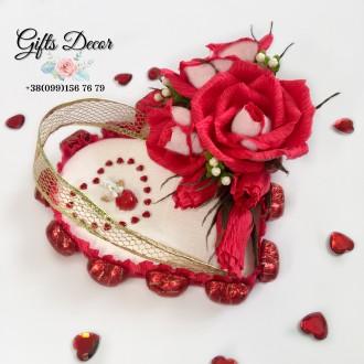 Вкусный подарок  из конфет с розами «Осирия». Киев. фото 1