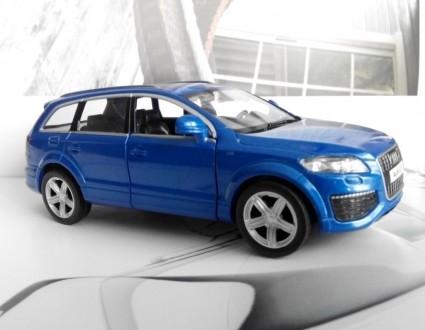 коллекционная модель  реалистичная копия  Audi Q7 v12  масштаб 1:32  цвет - н. Харків, Харківська область. фото 3
