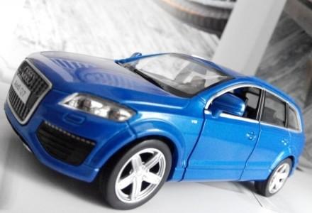 коллекционная модель  реалистичная копия  Audi Q7 v12  масштаб 1:32  цвет - н. Харків, Харківська область. фото 5