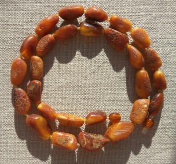 Уникальное янтарное ожерелье в винтажном стиле, натуральный королевский янтарь. Ровно. фото 1