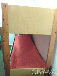 СРОЧНО продам 2-х ярусную кровать,в хорошем состоянии,без матраса. Крепкая и на. Кривой Рог, Днепропетровская область. фото 3