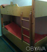 СРОЧНО продам 2-х ярусную кровать,в хорошем состоянии,без матраса. Крепкая и на. Кривой Рог, Днепропетровская область. фото 4