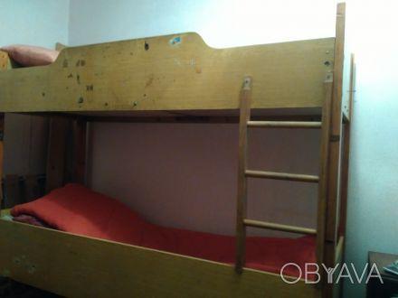 СРОЧНО продам 2-х ярусную кровать,в хорошем состоянии,без матраса. Крепкая и на. Кривий Ріг, Дніпропетровська область. фото 1