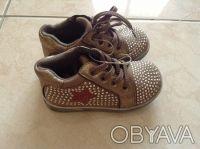Продаю абсолютно новые модные короткие ботиночки или можно также назвать спортив. Киев, Киевская область. фото 2