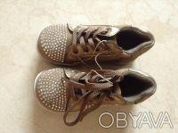 Продаю абсолютно новые модные короткие ботиночки или можно также назвать спортив. Киев, Киевская область. фото 3