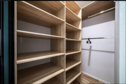 Сдается квартира с современным ремонтом. В квартиру установлена качественная меб. Центр, Днепр, Днепропетровская область. фото 4