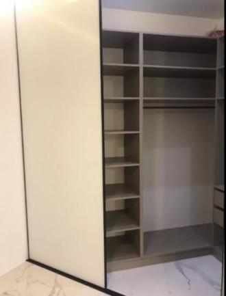 Закрытый, охраняемый двор. В доме подземный паркинг. Кухня-студия и спальня. В к. Центр, Днепр, Днепропетровская область. фото 8