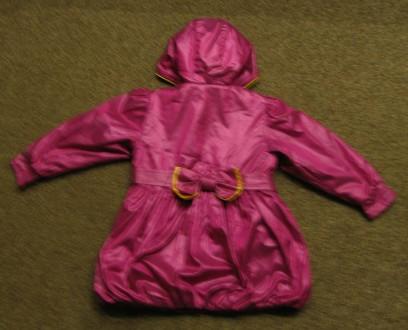 Курточка (плащ) на девочку в отличном состоянии. Длина - 53см, рукав - 38см, ши. Чернигов, Черниговская область. фото 3
