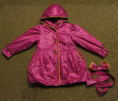 Курточка (плащ) на девочку в отличном состоянии. Длина - 53см, рукав - 38см, ши. Чернигов, Черниговская область. фото 2