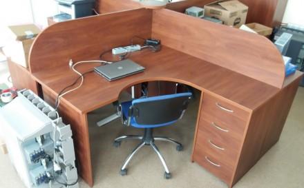 Стол офисный с перегородками, разборной на 4 отдельных стола, угловой. Киев. фото 1