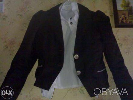 Продам школьный пиджак(р.146) с блузкой(р.128,134) на девочку 10лет.Состояние но. Киев, Киевская область. фото 1