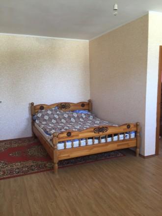 Отличный двухэтажный дом, утеплён.В доме 4 комнаты, балкон,лоджия. Два санузла, . Чернигов, Черниговская область. фото 5
