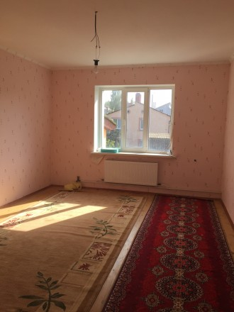 Отличный двухэтажный дом, утеплён.В доме 4 комнаты, балкон,лоджия. Два санузла, . Чернигов, Черниговская область. фото 11