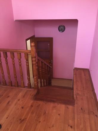 Отличный двухэтажный дом, утеплён.В доме 4 комнаты, балкон,лоджия. Два санузла, . Чернигов, Черниговская область. фото 3