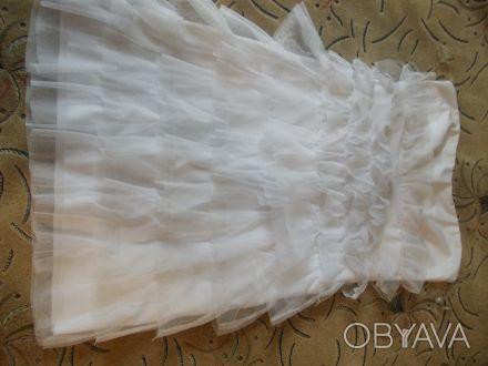 платье на девочку коктейльное белое . одевалось один раз на утренник. Поэтому со. Днепр, Днепропетровская область. фото 1