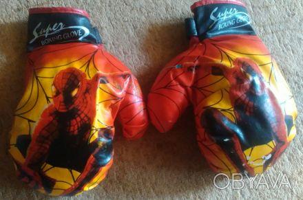 Перчатки боксёрские для детей. В идеальном состоянии. В наличии 2-е пары.. Кривой Рог, Днепропетровская область. фото 1