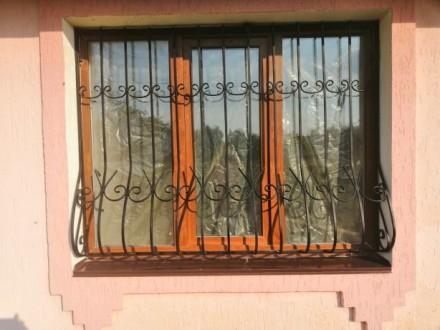 Решетки на окна двери, изготовление лестниц, покраска, грунтовка металла, Киев. Киев. фото 1