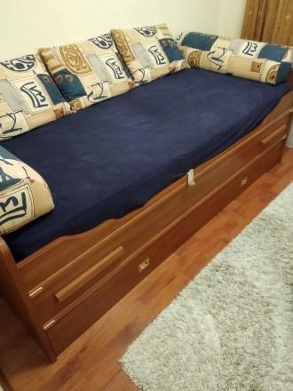 Диван-ліжко. Ровно. фото 1